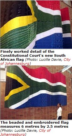 FireShot Screen Capture #576 - 'Constitutional Court flies the flag - SouthAfrica_info' - www_southafrica_info_about_history_concourt_flag_htm