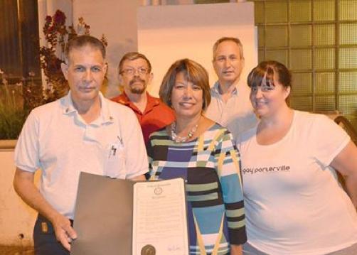 The mayor with Brock Neeley, John Coffee, Barry Caplan and Melissa McMurrey -- photo by Bryce Roeben.