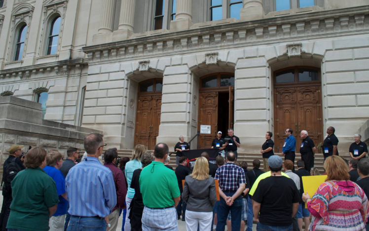 Todd Ferrel Speaks to Members of The Evangelical Network on IN Statehouse steps